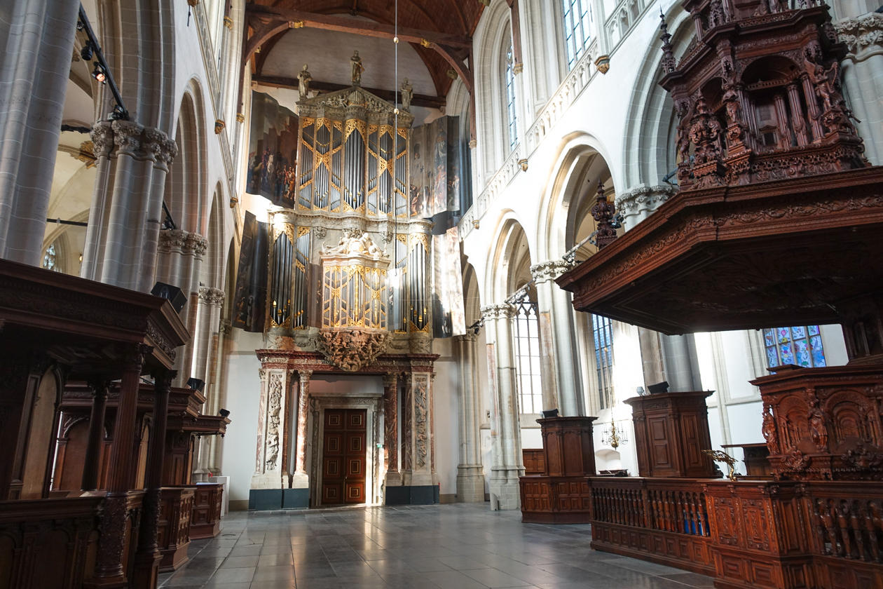amsterdam-1000-nieuwekerk-interieur