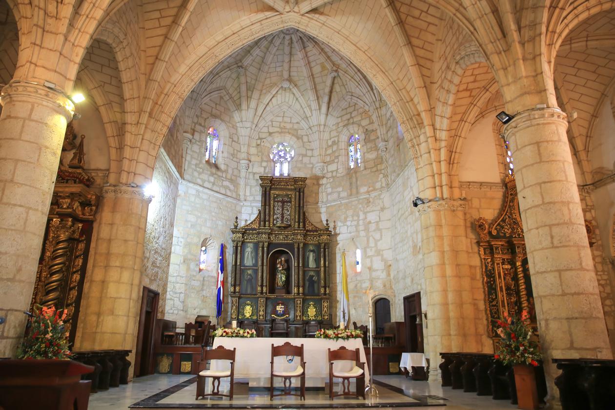santodomingo-1430-kathedraal-binnen