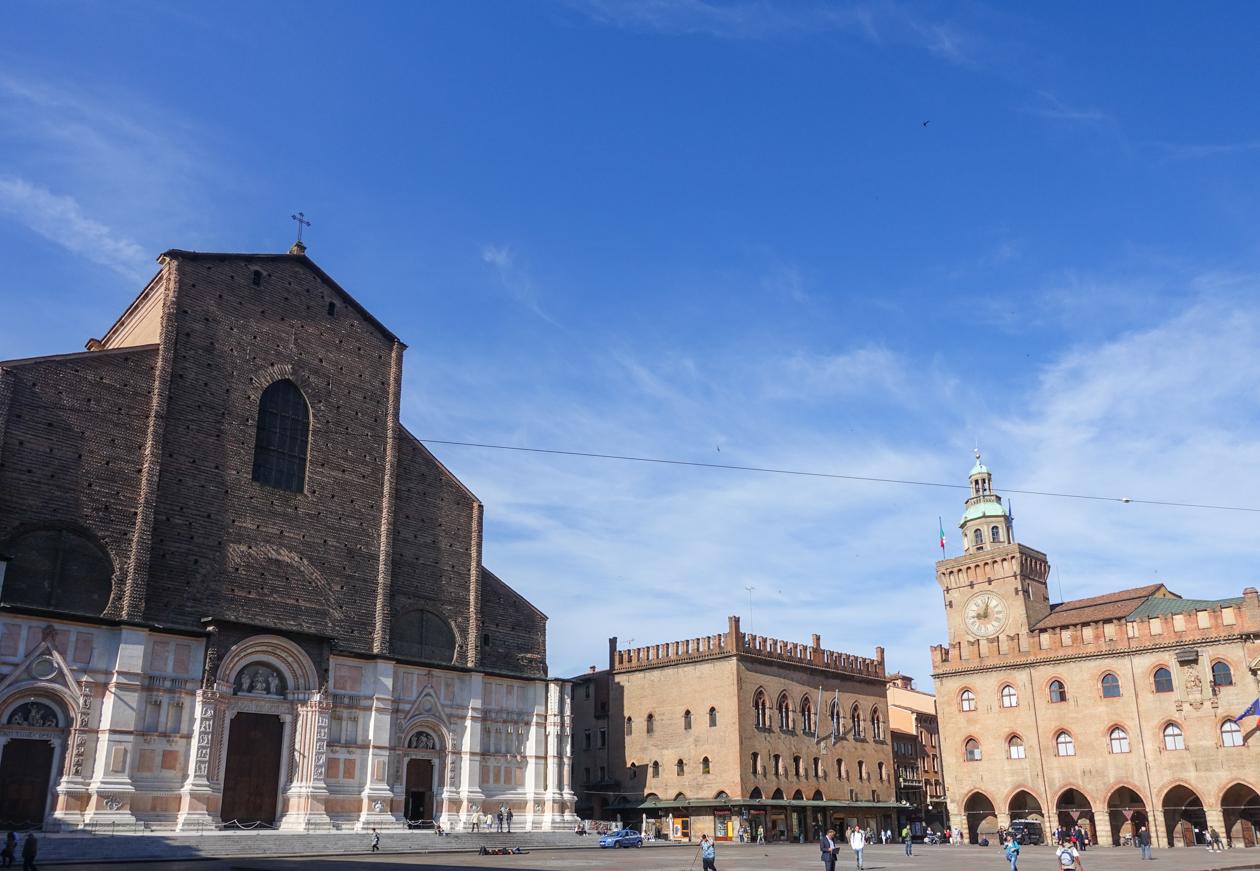 bologna-0835-piazza-maggiore