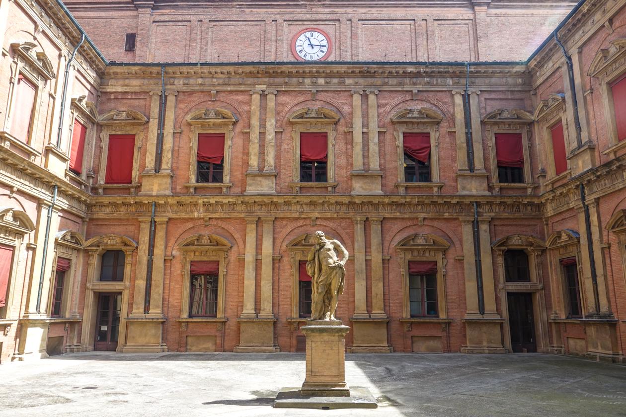 bologna-1110-palazzo-poggi