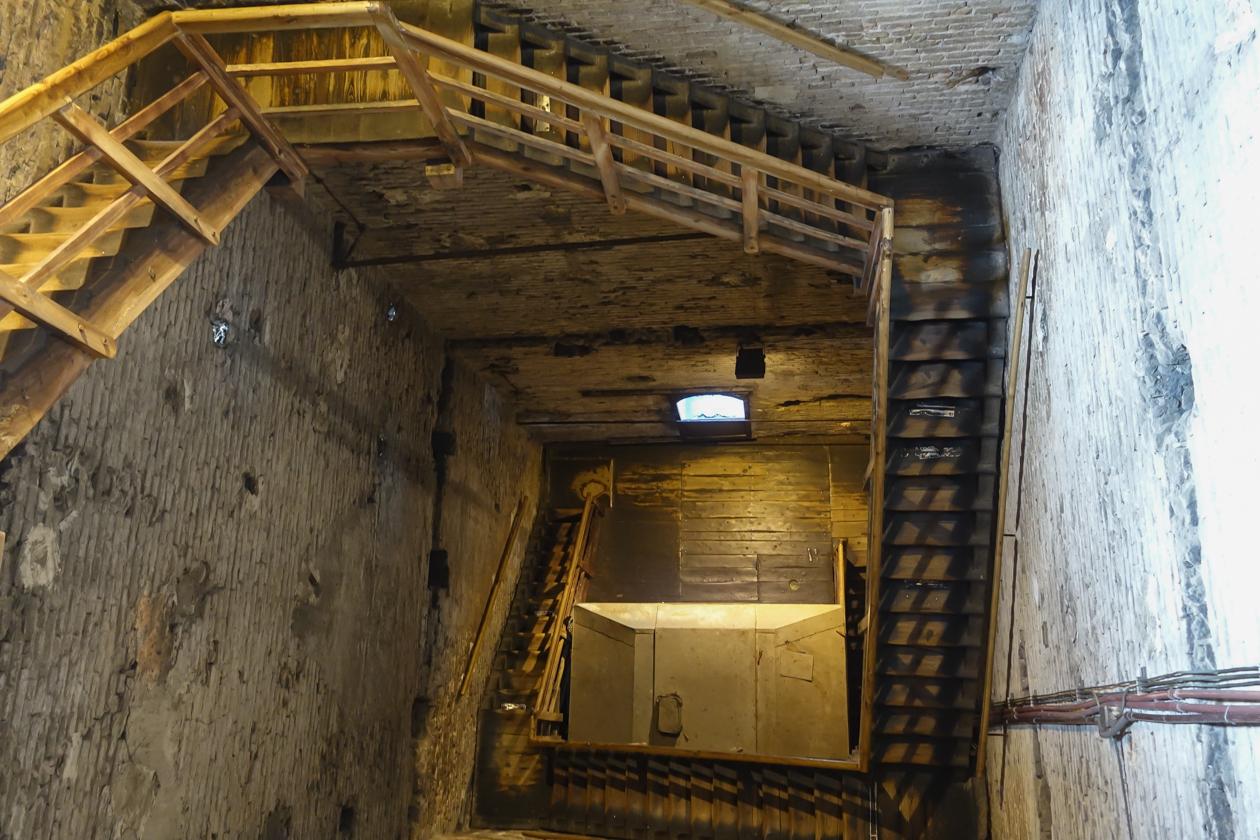 bologna-1800-torre-asinelli-beklimmen