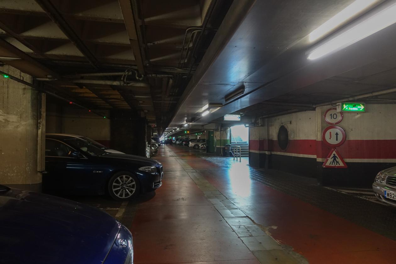 barcelona-0945-geparkeerd