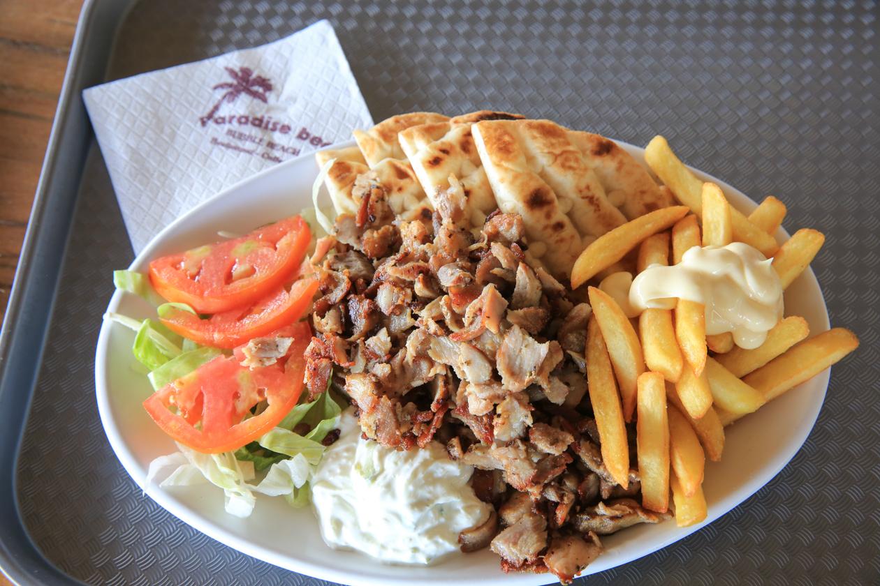 kos-1225-paradise-beach-lunch