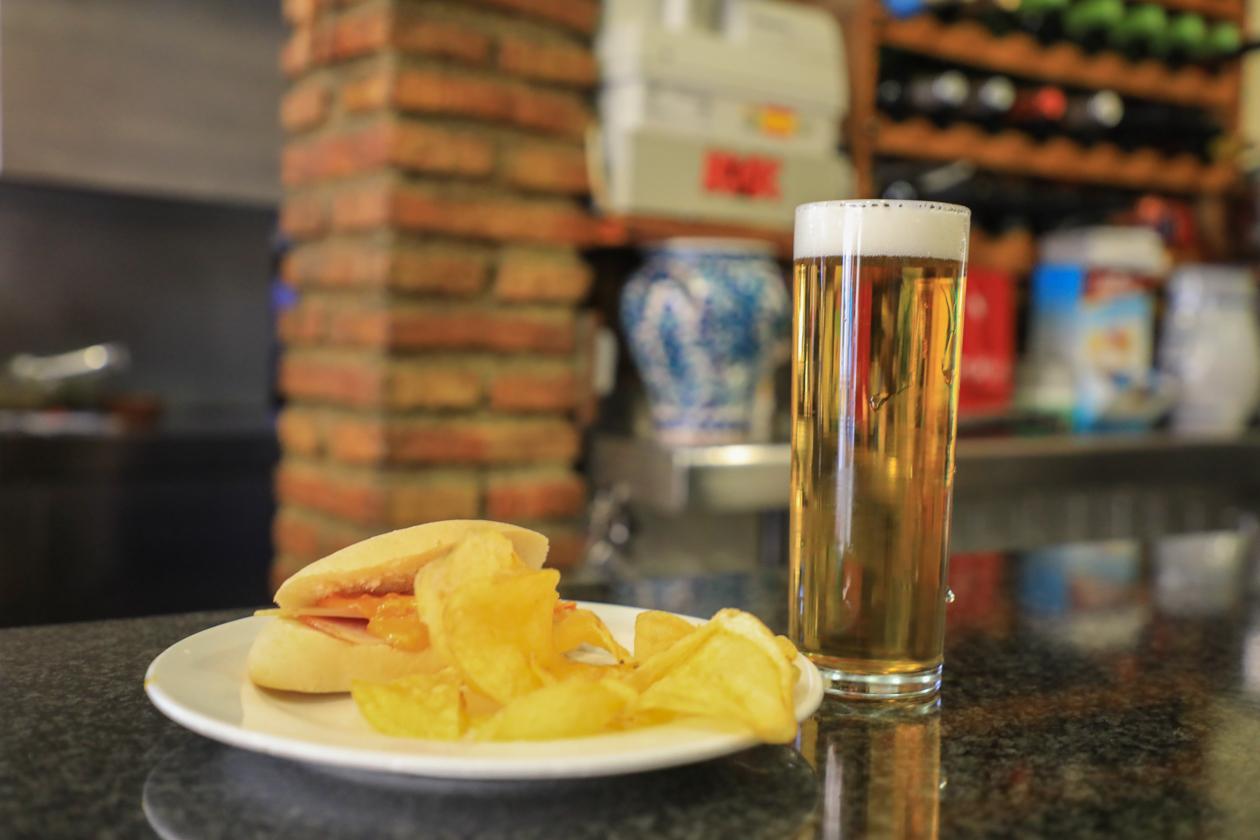 granada-1610-cerveza-tapa