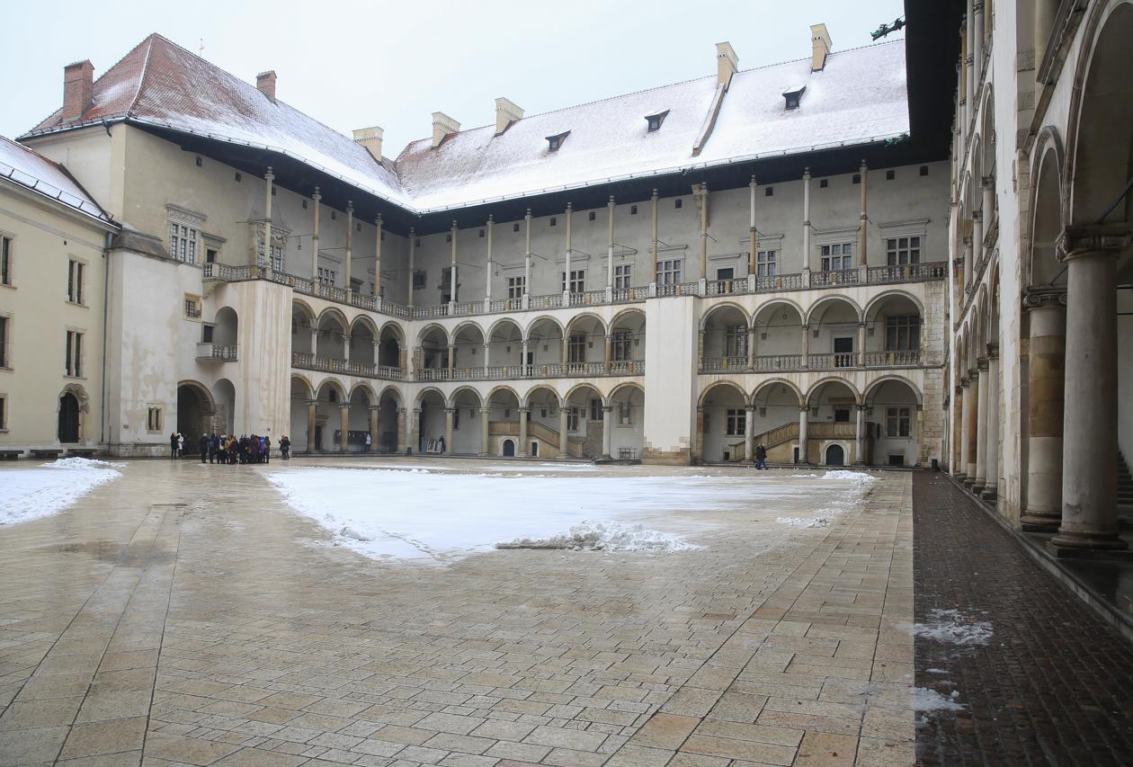 krakau-1010-zamek-krolewski