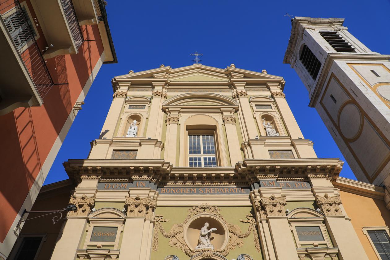 nice-0820-oude-binnenstad-kathedraal