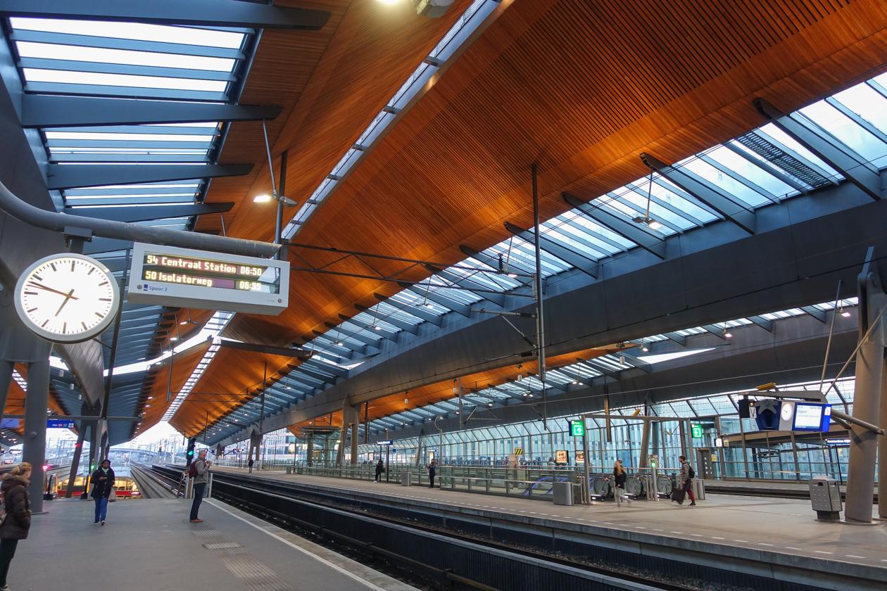 amsterdam-0650-metro-naar-centrum