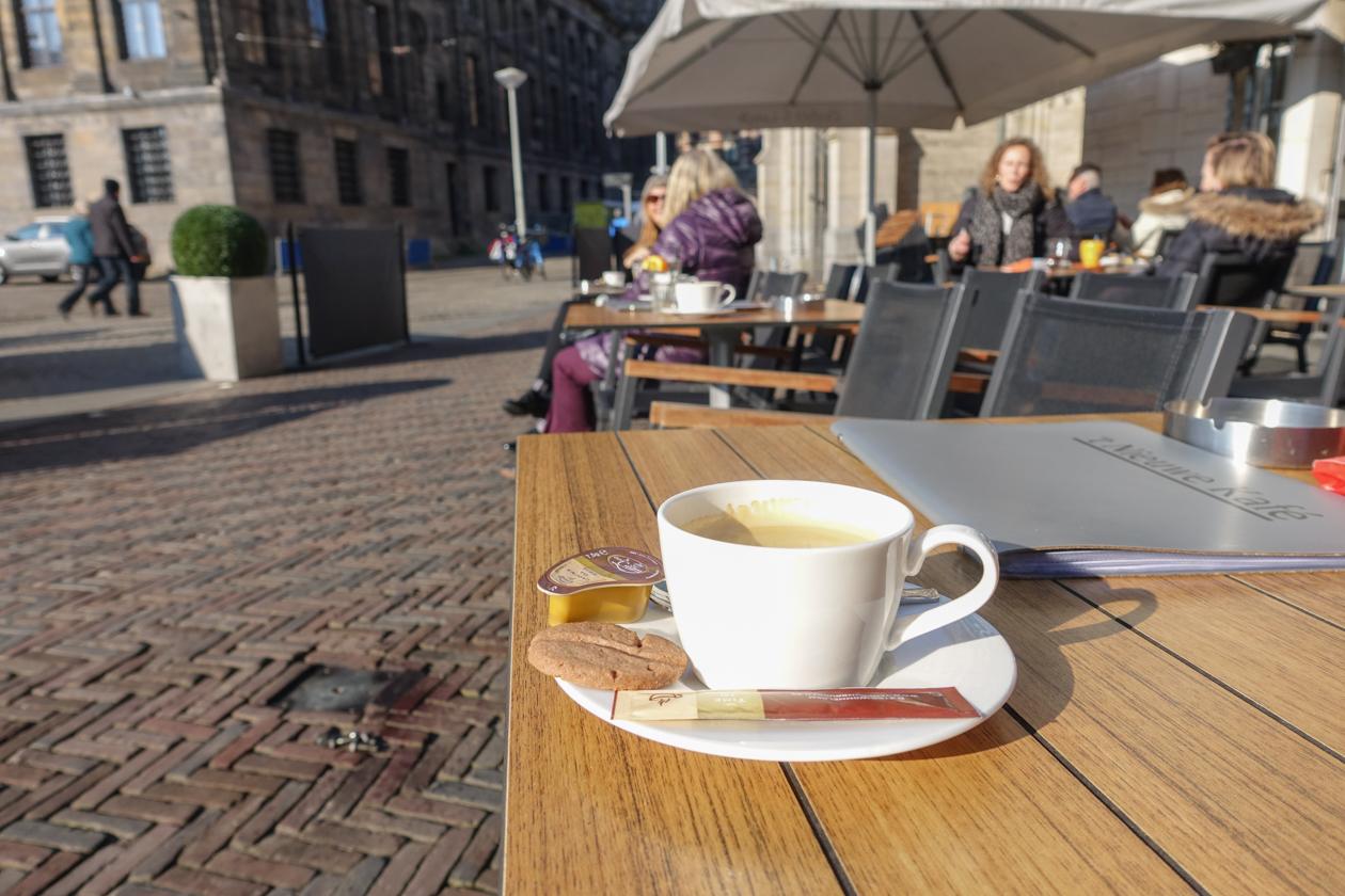 amsterdam-0930-koffie-nieuwe-kafe