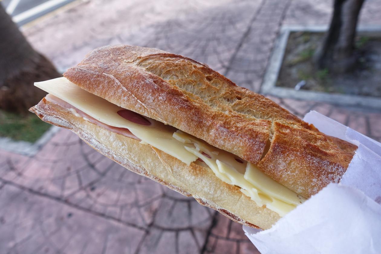 anguilla-0735-frans-stokbrood
