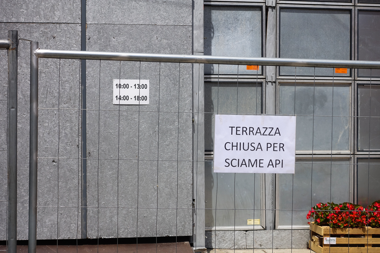 bologna-1400-bijen-terras-gesloten
