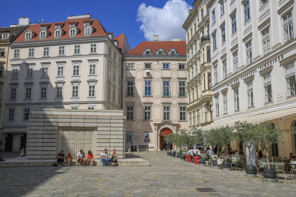 andere-kant-van-wenen-1225-judenplatz