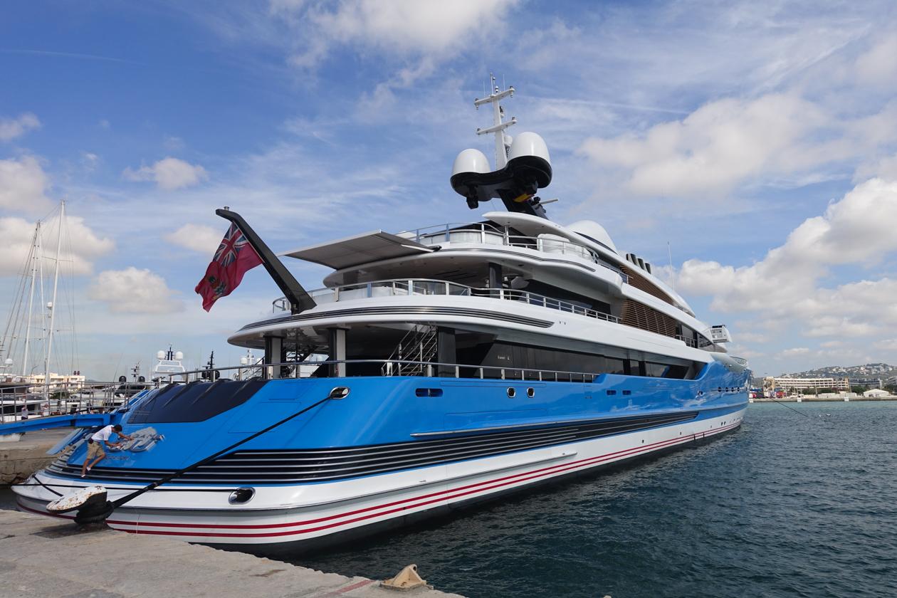 ibiza-uitgaan-1130-jacht