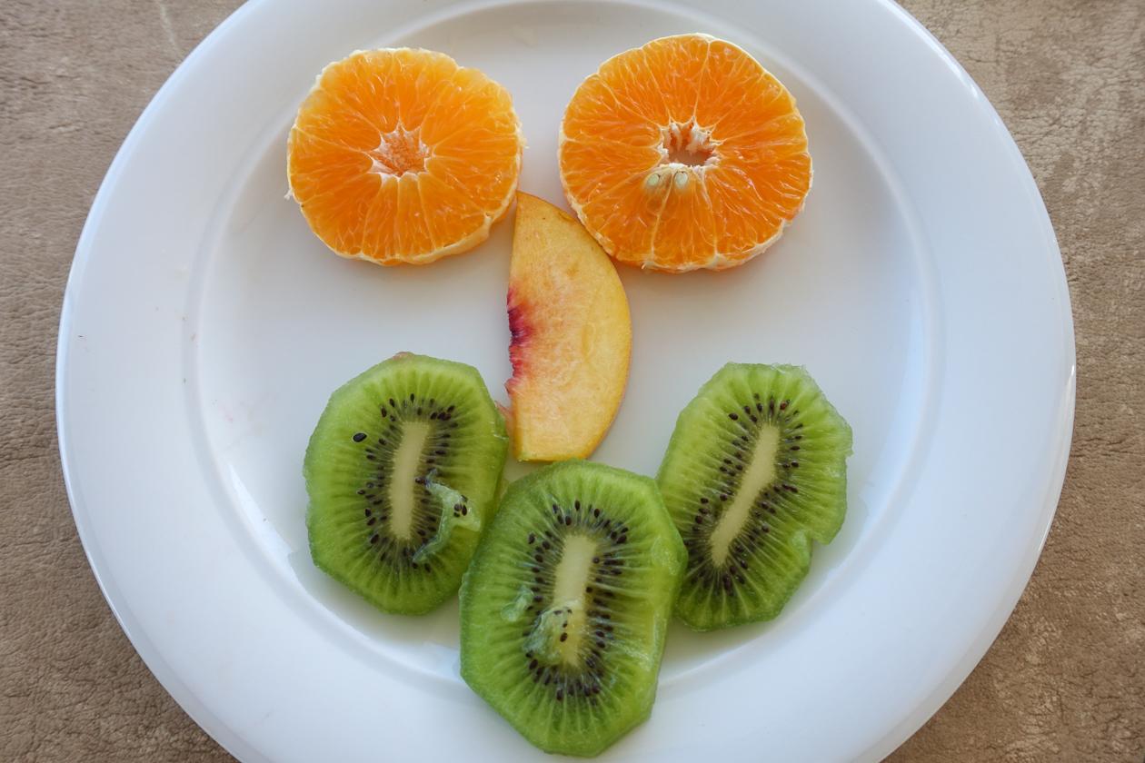 kos-0720-ontbijt-fruit