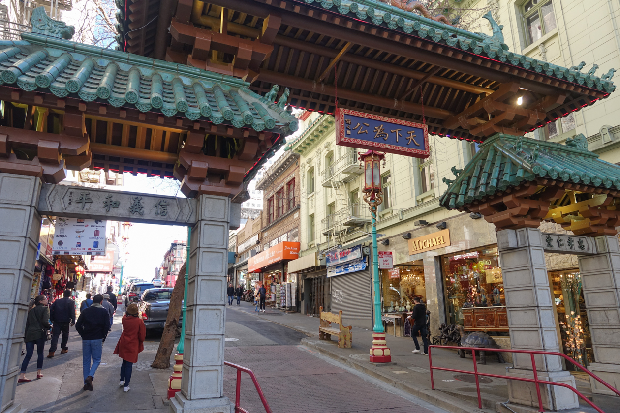 sanfranciscometdebus-1010-wandeling-door-chinatown