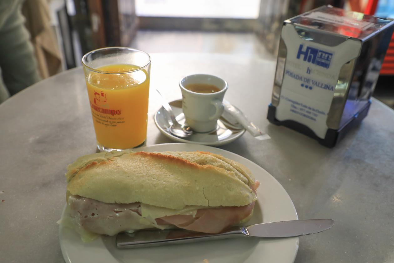 cordoba-0935-ontbijt