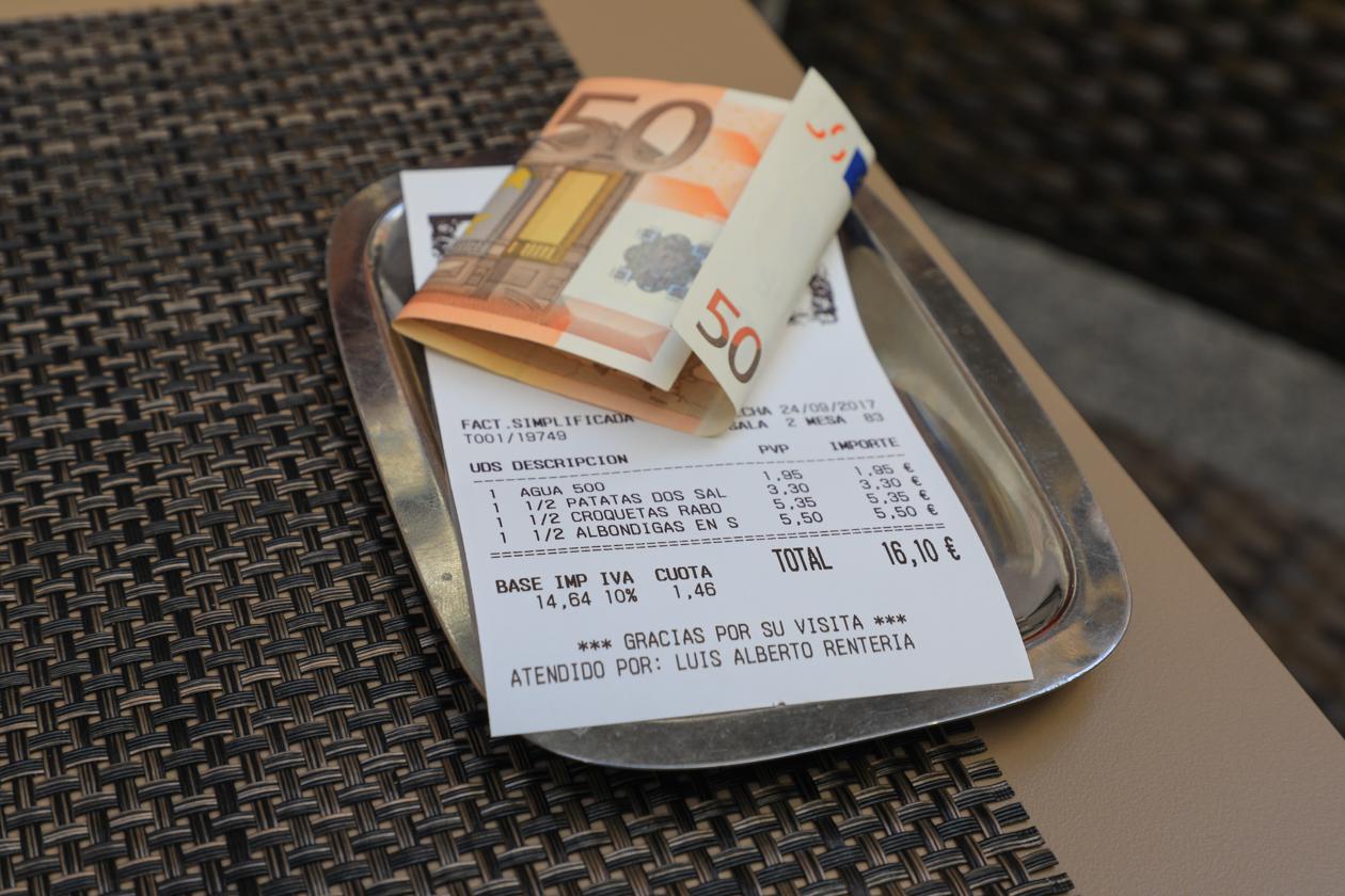 madrid-toeristenbus-1330-lunch-rekening