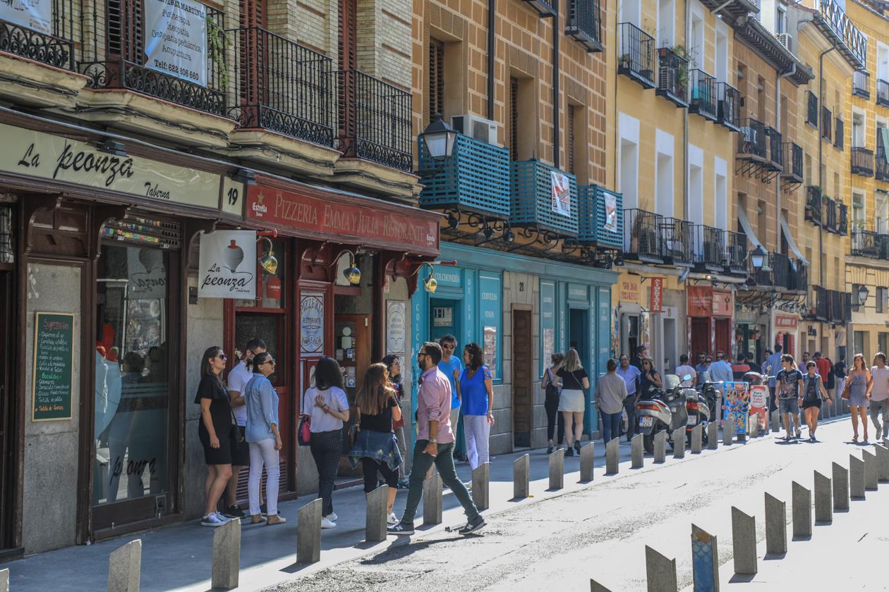 madrid-toeristenbus-1600-la-latina-calle-cava-baja