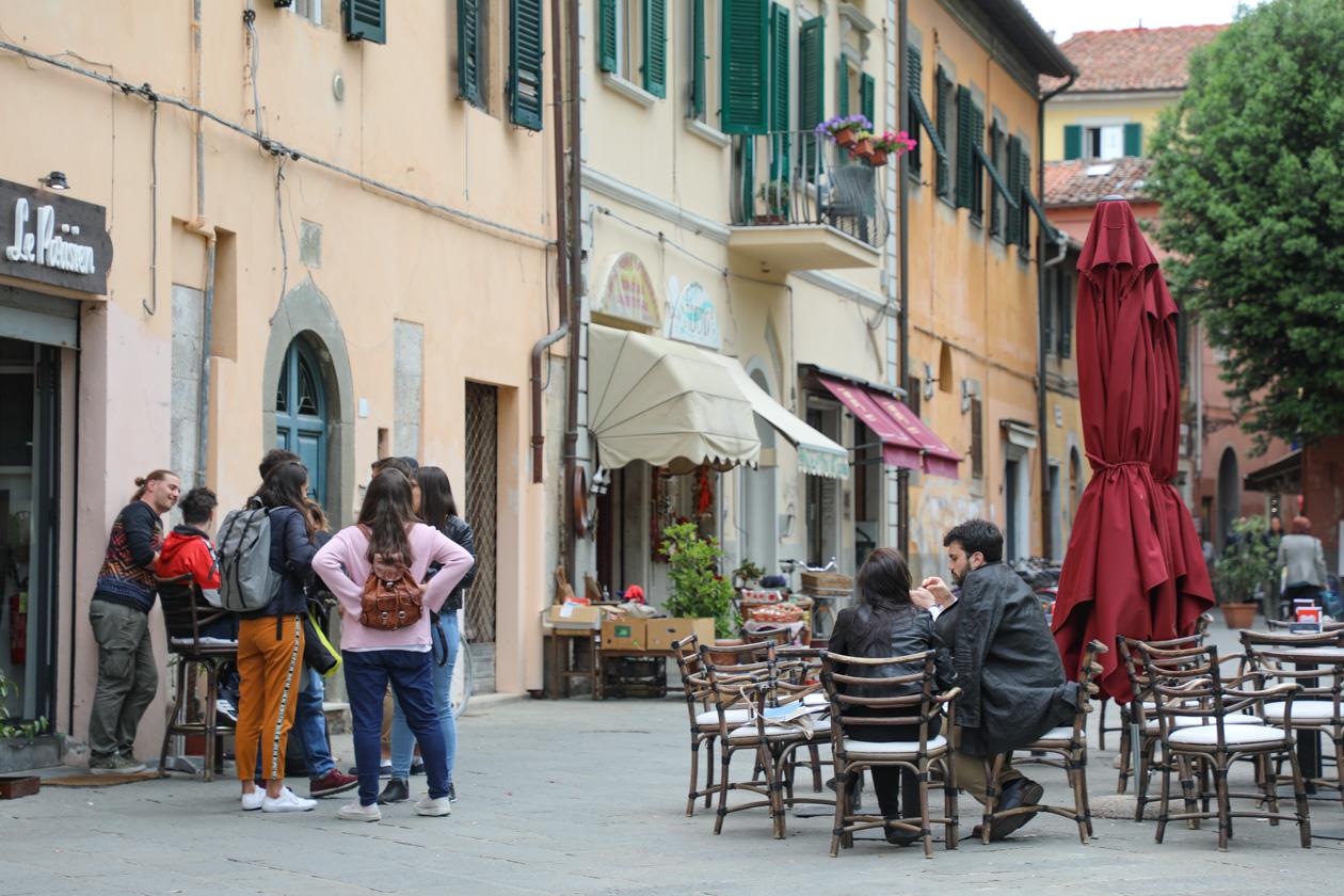 terras op Piazza Dante Alighieri