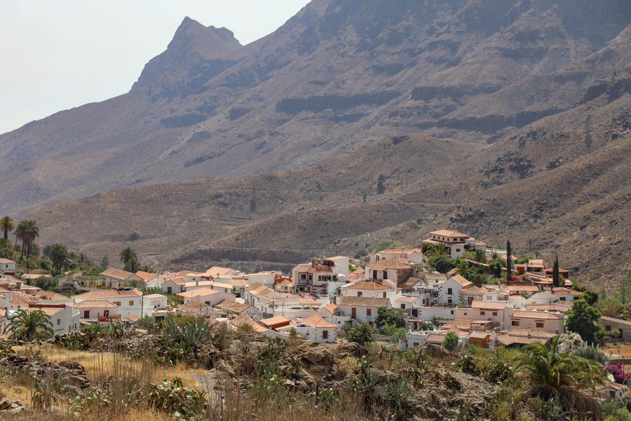 uitzicht op het dorp Fataga